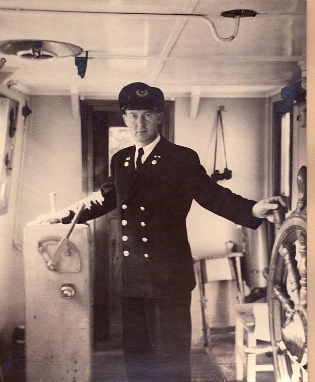 "Kaptein Olav Skaar på ""MS Bruvik"""